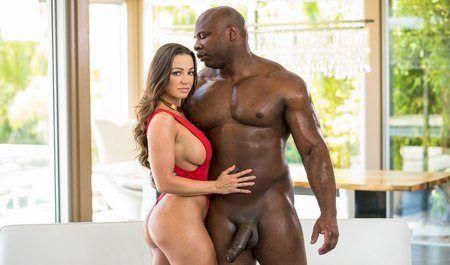 Hot latinas with nice ass