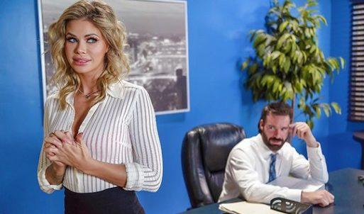 Patronu Çıldırtan Sarışın Sexy Sekreter