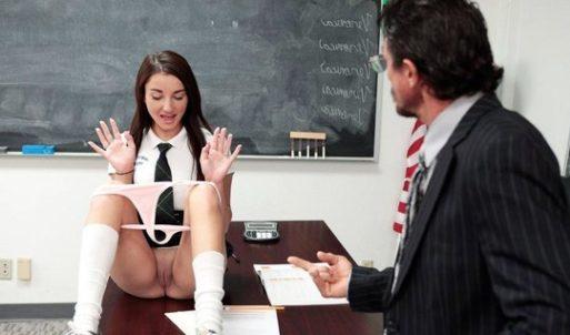 Liseli Genç Kızı Öğretmeni Sikiyor
