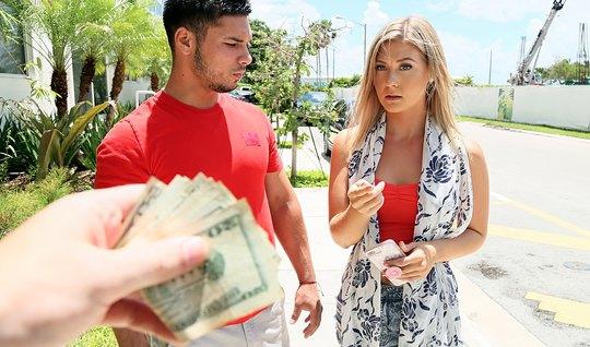 Manitayı Parayla Sikiştirmeye Gönlü El Verdi