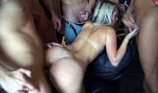 Toplu Porno Yabancı Erkeklerle Full Sikiş