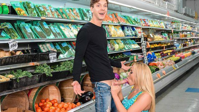 Marketteki Oral Sex Güvenlik Kameralarına Yansıdı