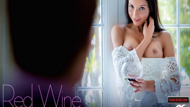 Şarapla Sarhoş Olup Bir Posta Romantik Sikişti