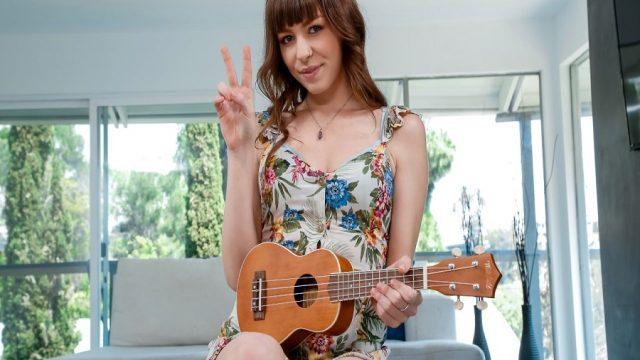Gitar Kursuna Giden Liseli Saksafon Çalmayı Öğrendi