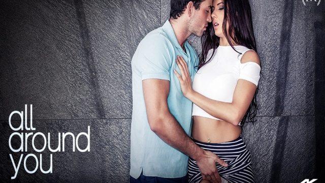 İşten Gelen Kocasını Şehvetli Seksle Karşıladı