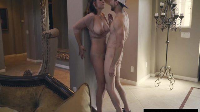 Üst Düzey Seks Performansını Sert Sikişle Süsledi