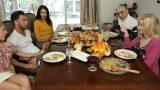 Tanışma Yemeğinde Hindi Yerine Damat Yarağı Yendi