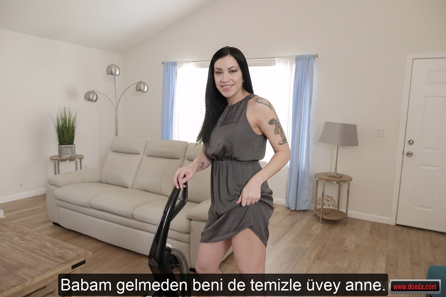 Yaşlı Anne Ogul Tuvalette Sıkıs Pornosu ızle