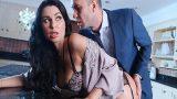 Kocası Gidince Domalarak Sevgilisini Bekleyen Aldatan Ev Kadını