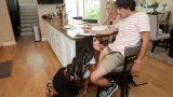 Liseli Kızın Evinde Ders Çalışırken Milf Destek Verdi