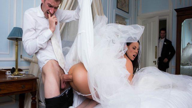 Düğün Günü Sağdıçla Arkadan Gerdeğe Giren Gelin