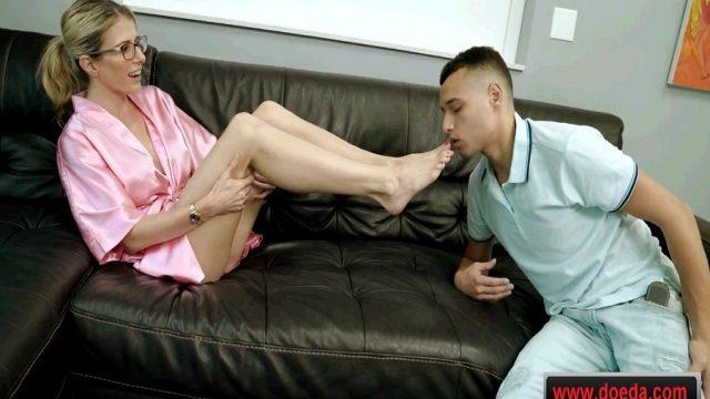 İkinci Kocasınından Üvey Oğlunu Seks Kölesi Yapan Yaşlı