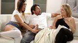Üvey Annesinin Olgun Erkek Dostunu Film İzlerken Ayarttı
