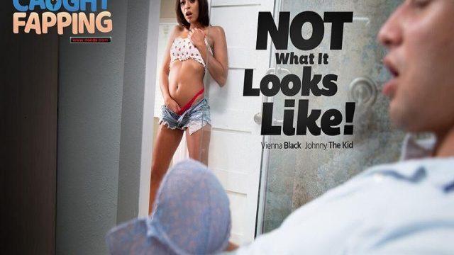 Sutyenine Sikini Sürten Ergeni Görünce Şaşırarak Orgazm Oldu