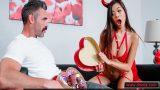 Porno Yıldızı Olmak İsteyen Asyalıya Prodüktör Üvey Amcadan Jest