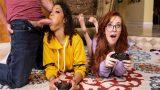 Sikiyle Kontrolör Etmek İçin Oyuncu Kuzeni ve Arkadaşını Sikti