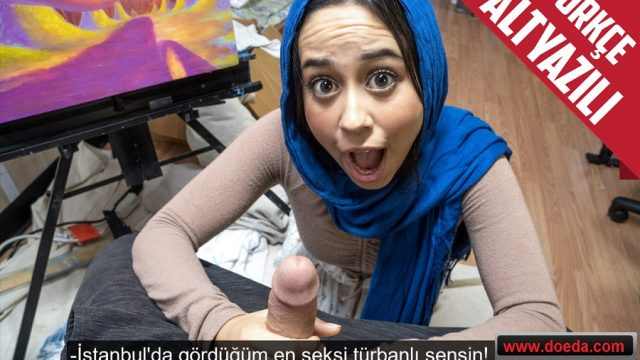 İstanbul'da Tanıştığı Türbanlı Kızı Kendi Ülkesinde Eğlenerek Sikti
